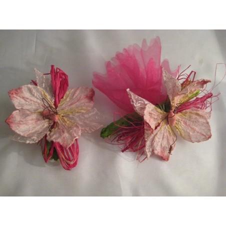 Papillon fleur sur bois